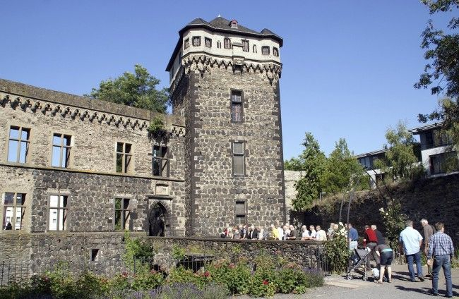 Burg Namedy