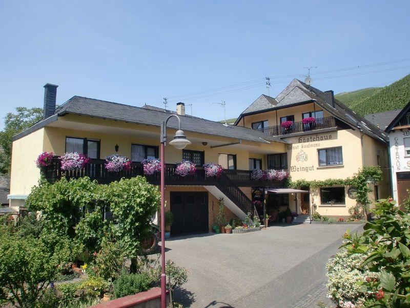 Weingut-Gästehaus Helmut Kaufmann