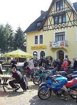 onRoad Hotel - Café Motorsport-Treff und Hotel Nürburgring